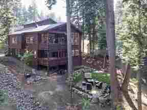 Property for sale at 13770 Pathway Avenue, Truckee,  CA 96161