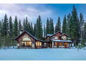 Property for sale at 7125 Lahontan Drive, Truckee,  CA 96161