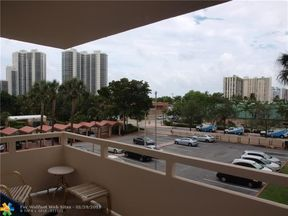 Property for sale at 3233 NE 34th St Unit: 310, Fort Lauderdale,  Florida 33308