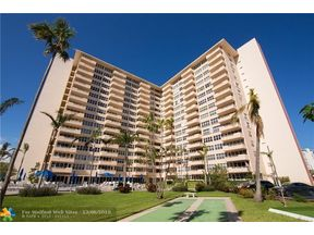 Property for sale at 3300 NE 36th St Unit: 1711, Fort Lauderdale,  Florida 33308