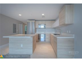 Property for sale at 16385 Biscayne Blvd Unit: 405, North Miami Beach,  Florida 33160