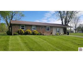 Property for sale at 211 Grandview Dr., Fredonia,  KY 42411