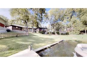 Property for sale at 48 Dockside Drive, Lake Tapawingo,  Missouri 64015