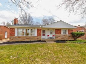 Property for sale at 1879 Brainard Rd, Lyndhurst,  OH 44124