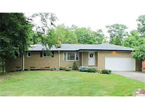 Property for sale at 12706 Gardenside Dr, North Royalton,  OH 44133