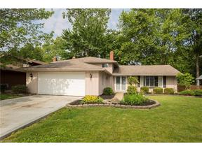 Property for sale at 4246 Laurell Ln, North Olmsted,  OH 44070