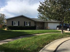 Property for sale at 722 Surrey Cir, Berea,  OH 44017