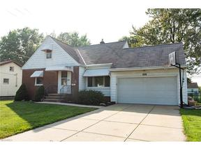 Property for sale at 1604 Winchester Rd, Lyndhurst,  OH 44124