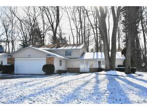 Property for sale at 28011 Gardenia Dr, North Olmsted,  OH 44070