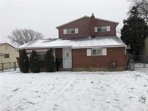 Property for sale at 6475 Sandfield Dr, Brook Park,  OH 44142
