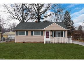 Property for sale at 4555 Selhurst Rd, North Olmsted,  Ohio 44070