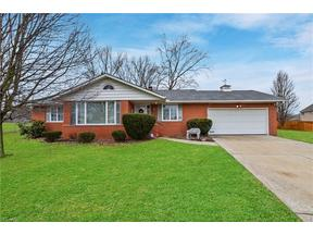 Property for sale at 4050 Rollingview Drive, Seven Hills,  Ohio 44131