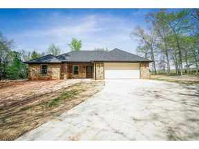 Property for sale at 580 Susan St, Gladewater,  TX 75647