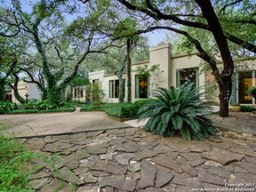 Property for sale at 111 Fox Hall Ln, Castle Hills,  TX 78213