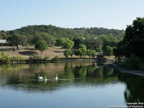 Property for sale at 231 Avery Rd, Kerrville,  TX 78028