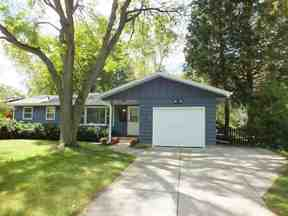 2330 Tanager Tr, Madison, WI 53711