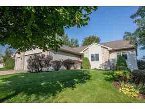 Property for sale at 1329 Broadway Dr, Sun Prairie,  Wisconsin 53590